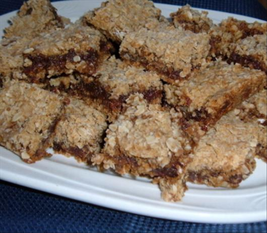 Date-filled Oatmeal Bars. Photo by newspapergal