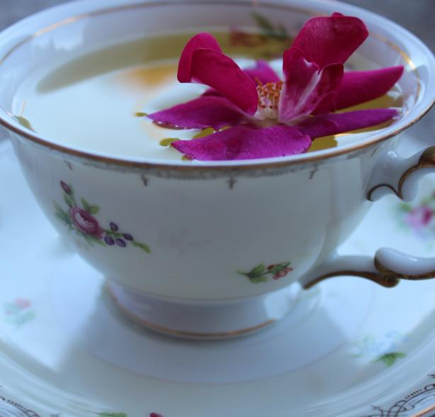 Persian Love Tea. Photo by Cookgirl