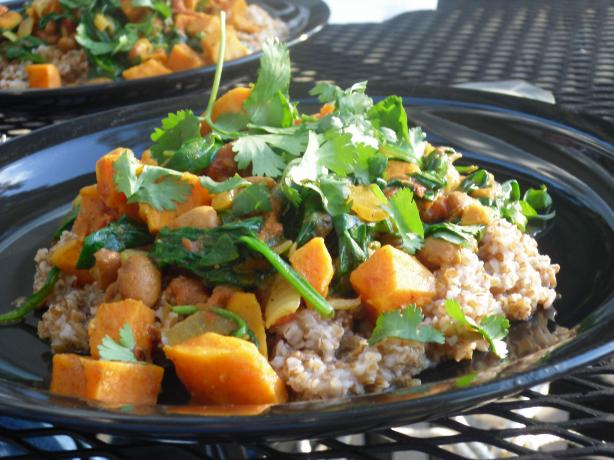 Sweet Potato Curry With Spinach and Chickpeas. Photo by tamalita62