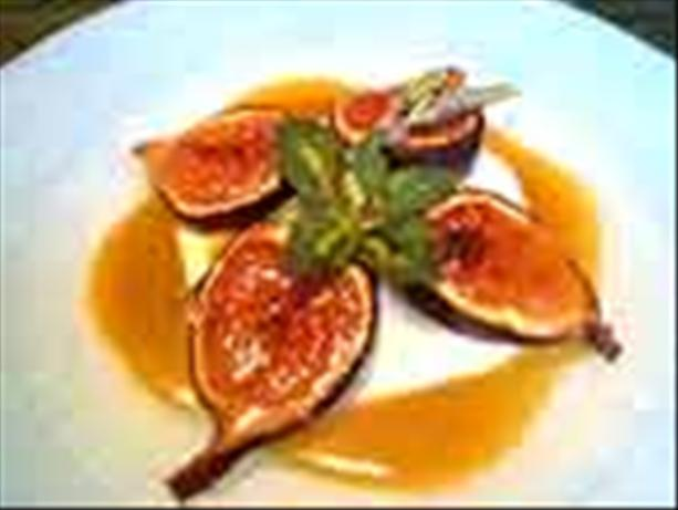 Caramelized Figs With Lavender Honey and Cream. Photo by Monique Nguyen