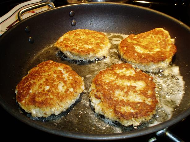 Maryland Crab Cakes. Photo by jellyko
