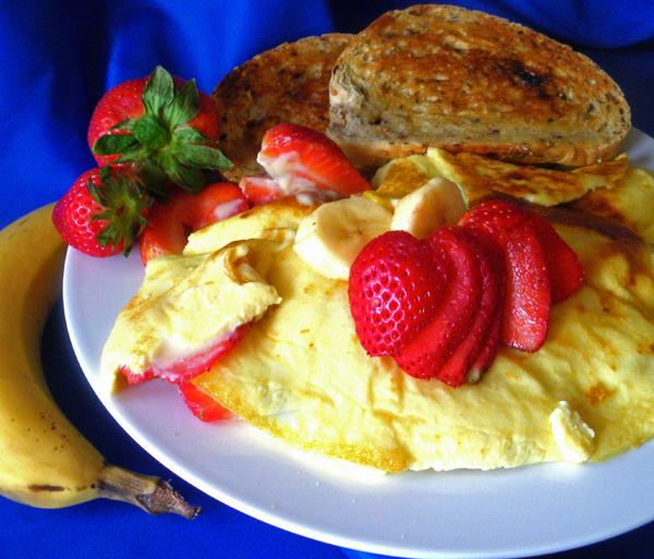 Fresh Strawberry Banana Omelets. Photo by Bergy