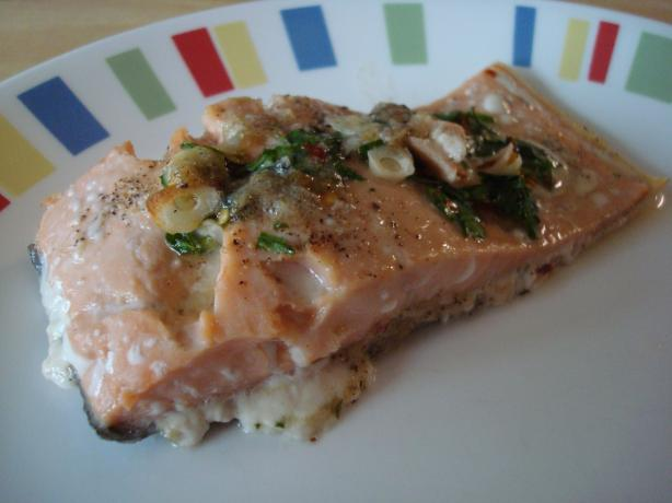 Salmon Fillets Bathed in Garlic. Photo by Starrynews