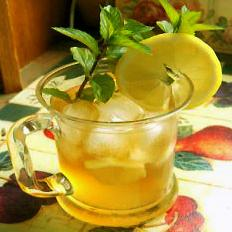 Iced Sweet Mint Tea. Photo by Derf