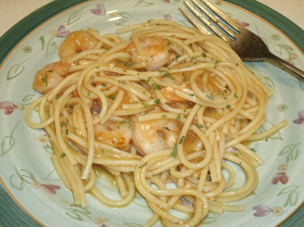 Garlic Shrimp and Pasta (Low fat recipe). Photo by Catnip46