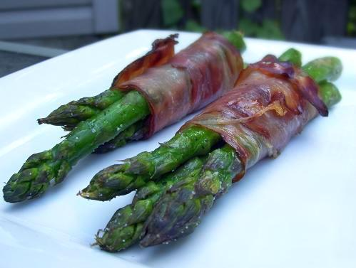 Prosciutto-wrapped Asparagus. Photo by Cooking Creation
