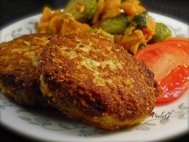 Oatmeal Salmon Patties. Photo by PaulaG
