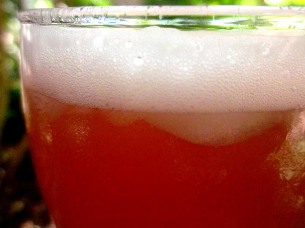San Francisco Marriott&#39;s Pink Punch. Photo by gailanng
