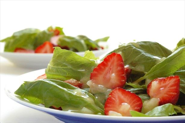 Best Ever Summer Strawberry Spinach Salad. Photo by Thorsten